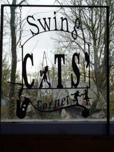 2-SWING-CATS-225x300